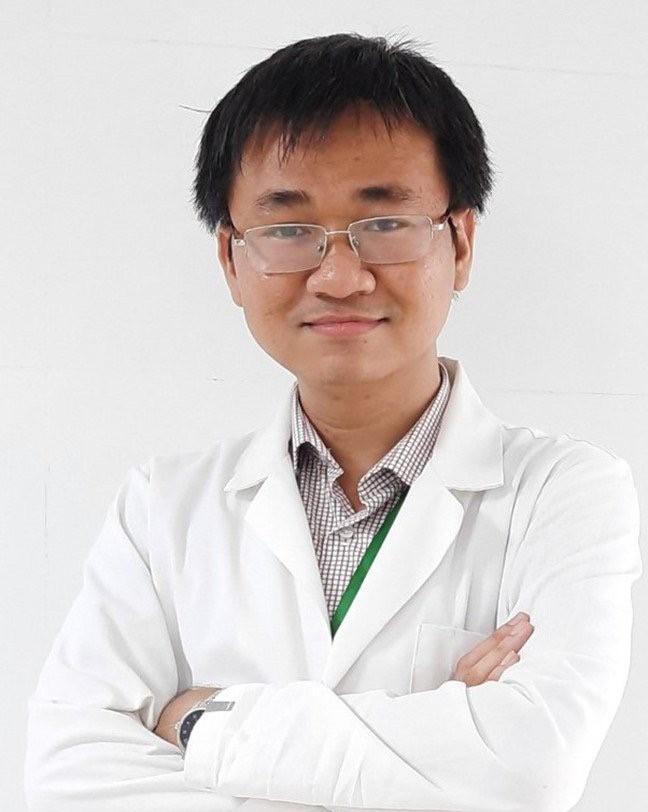 DR. DOAN HOANG LONG ドァン フォアン ロン 医師